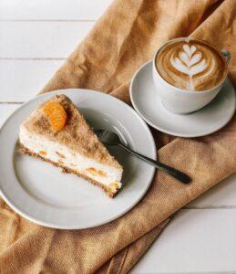 Kaffe und Kuchenstück